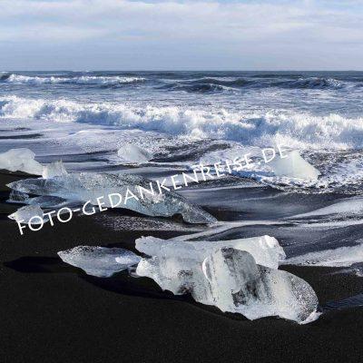 Diamond Beach mit Gletscherbrocken Island
